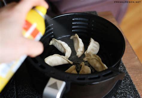 air fryer frozen dumplings potstickers dumpling carefully trying secure basket move into