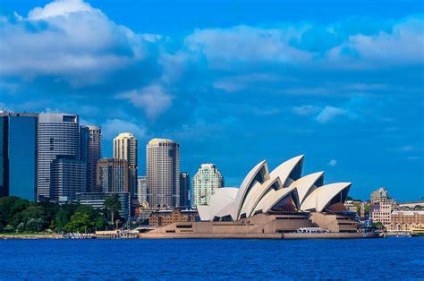 Sydney Opera House, Bennelong Point, Sydney Harbor, Sydney, New South Wales, Australia Blaine