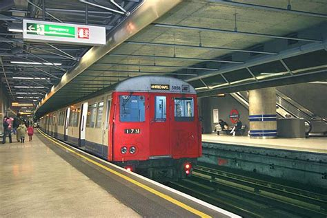Disused Stations: Canada Water Station (East London Line