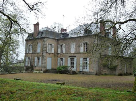 bureau a vendre pas cher château manoir chateau xviii au nord du parc du morvan