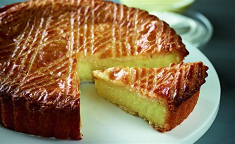 cuisine du frigo découvrez la recette traditionnelle du gâteau basque