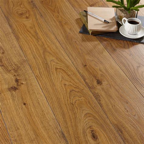 quickstep andante natural oak effect laminate flooring   pack departments diy  bq