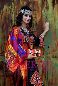 Kabyle dress berbers traditions pinterest robes for Vente robe chaoui