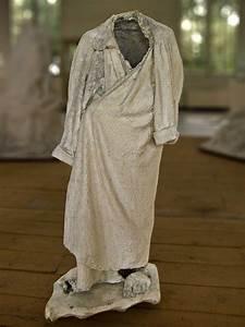 etude de robe de chambre recherche pour le monument a With tissus taffetas pour robe