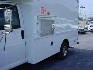 Sell Used 2005 Chevrolet G3500  U0026quot  Splicer  U0026quot  Cube Van 72k
