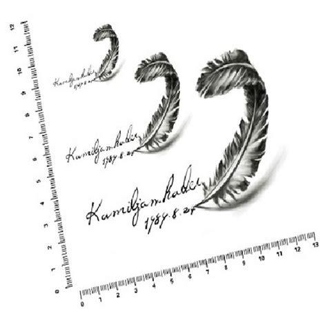 idee tatouage plume ecriture modele de tattoo