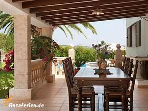 Sonnenschutz überdachte Terrasse : mallorca finca mit pool und internet bei pollenca fincaferien ~ Sanjose-hotels-ca.com Haus und Dekorationen