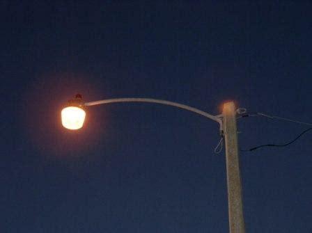 sodium vapor light streetlights high pressure sodium orange versus mercury