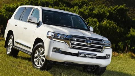 2019 Toyota Land Cruiser Review, Price, Release Date