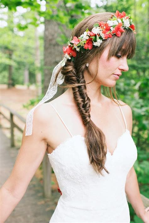 Floral crown and fishtail braid #wedding #weddinghair #