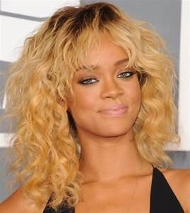 Rihanna Hairstyles: Sassy Blonde Medium Curls - Pretty Designs