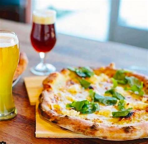 Best Pizza In Palm Springs 10 Places To Get A Tasty
