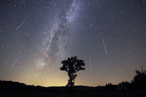 Perseid Meteorite Shower by Perseid Meteor Shower Annual August Meteor Shower The