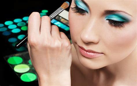 make up artist course makeup artist course in india saubhaya makeup