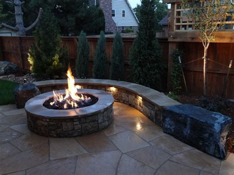 naturalistic feature at contemporary patio