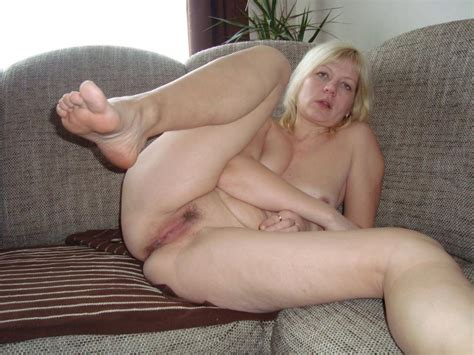 Free Mature Ass Spread Hairy Pussy