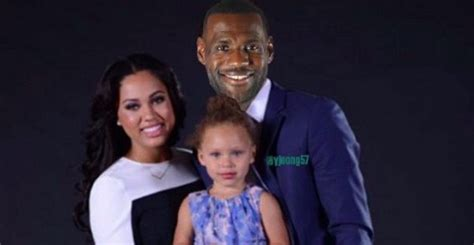 ayesha curry  nuts  twitter twitter reacts hip
