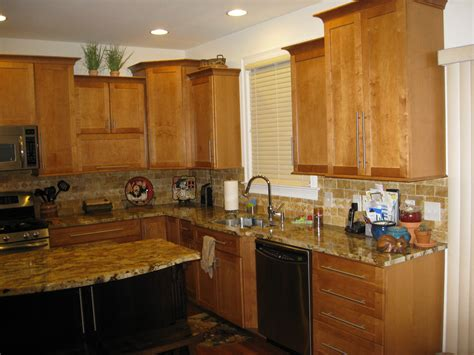 pickled oak cabinets granite 100 pickled oak cabinets with granite how to glaze