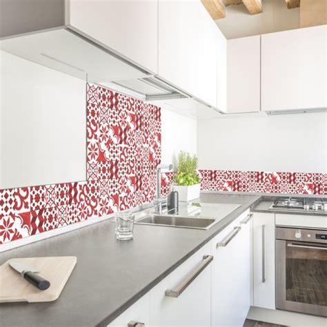cuisine grise leroy merlin crédence de cuisine adhésive en aluminium carreaux de ciment rouges 99 déco
