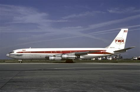 File:TWA Boeing 707 Volpati-1.jpg - Wikimedia Commons