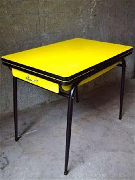 table de cuisine formica vintage bazar table cuisine formica jaune ée 60