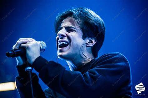 Michele merlo (vicenza, 1 marzo 1993) è un musicista e cantautore veneto cresciuto tra italia e inghilterra. Michele Merlo @ Mediolanum Forum, Assago, Milano - 26 febb… | Flickr