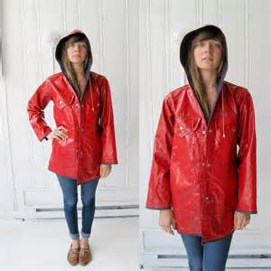 vintage red delicious slicker raincoat s m