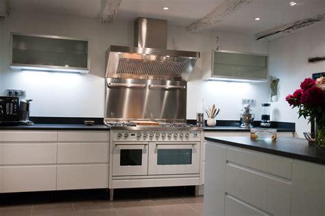 cuisine dans maison ancienne cuisine moderne dans maison ancienne maison moderne