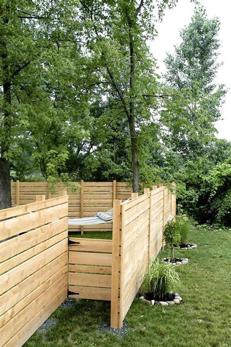 backyard wood fence ideas best 25 horizontal fence ideas on backyard