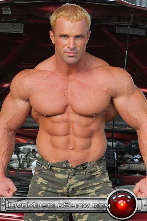 Huge Pecs | CGay Muscles