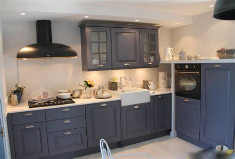 cuisine couleur gris bleu rénovation d 39 une cuisine gris ardoise à la cagne