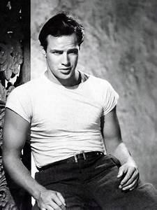 A Streetcar Named Desire, Marlon Brando 1951 Photo - at ...