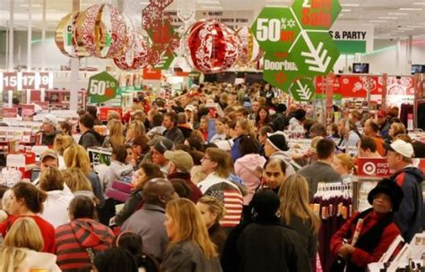 tis the season for holiday shopping trend predictions