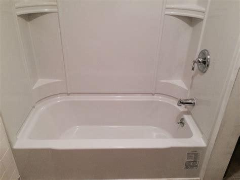 caulkless sterling accord tub  surround shower unit