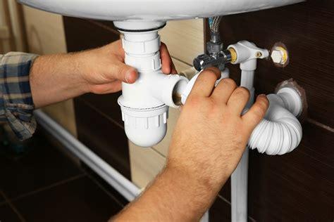 mauvaises odeurs canalisations odeurs dans les canalisations quelles sont les astuces
