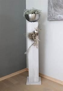 Holz Weiß Streichen Aussen : gs85 gro e s ule f r innen und aussen gro e s ule aus neuem holz wei gebeizt dekoriert mit ~ Whattoseeinmadrid.com Haus und Dekorationen