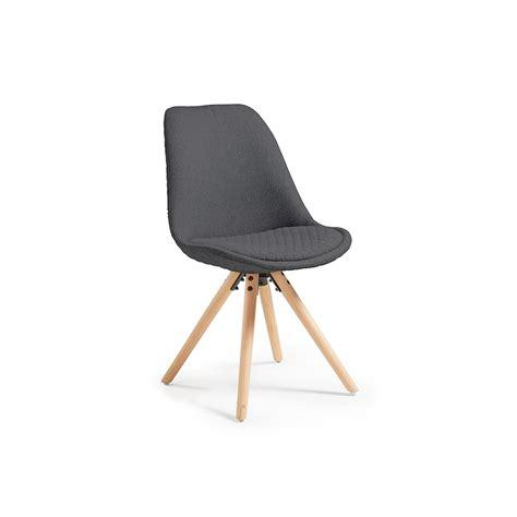 chaise gris chaise design scandinave pieds bois en tissu matty gris