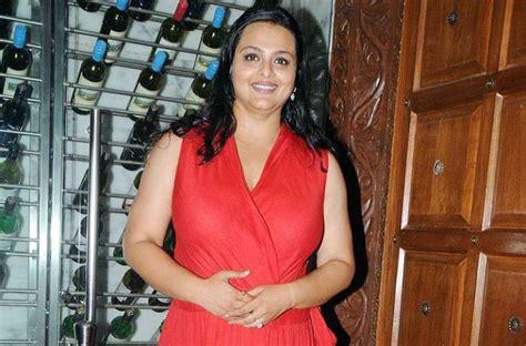 Shilpa Shirodkar Slips On Set Injures Back