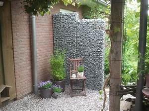 Gabionen Gartengestaltung Bilder : gabionenzaun als ganzj hriger sichtschutz im garten gabiona gabionen und steink rbe ~ Whattoseeinmadrid.com Haus und Dekorationen