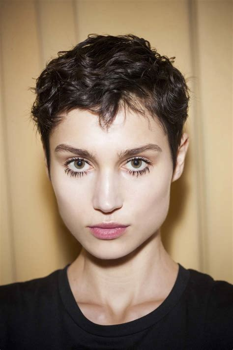 Quick Hairstyles for Short Hair: Trendy Cool Look for