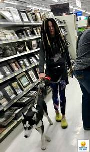 Funny And Strange People Of Walmart 34 Photos Famepace