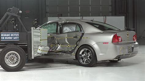 Midsize cars improve in side crash tests