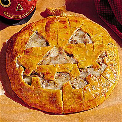 Halloween Recipes Jacko'lantern Cheeseburger Pie