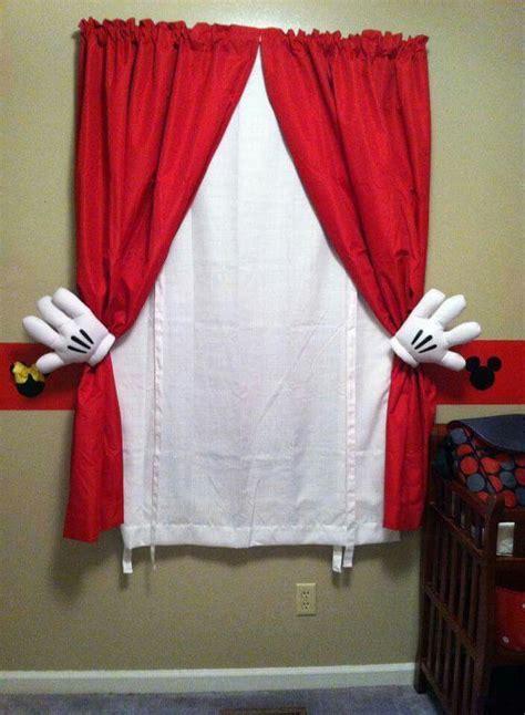 cortinas mickey las 25 mejores ideas sobre corona de mickey mouse en