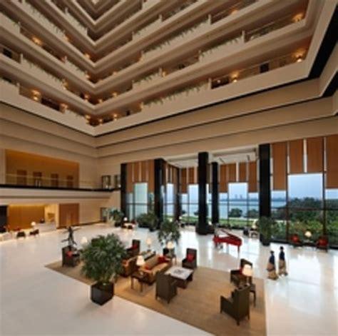 lobby picture   oberoi mumbai mumbai tripadvisor