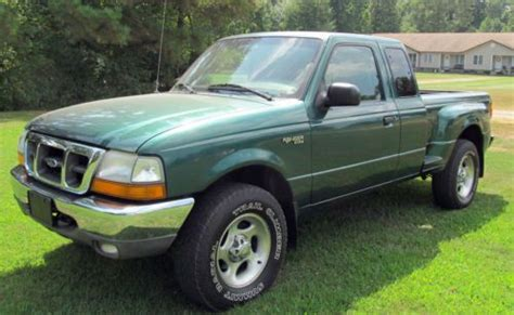 sell   ford ranger xlt extended cab  wd