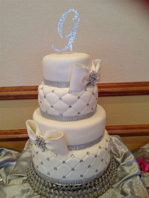 bling wedding cakes bling wedding cake wedding the o 39 jays