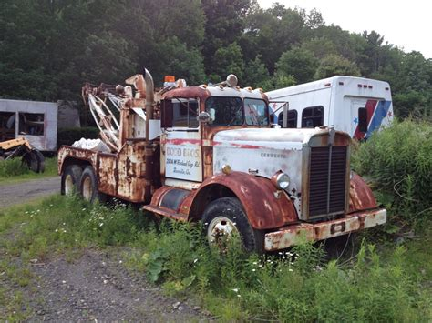 truck wreckers kenworth lost and found kenworth tow trucks pinterest tow