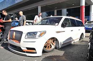 Lifted Lincoln Navigator Is A Looker
