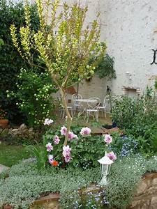 Serignac Sur Garonne : jardin secret au bord du canal chambre d 39 h tes ~ Medecine-chirurgie-esthetiques.com Avis de Voitures